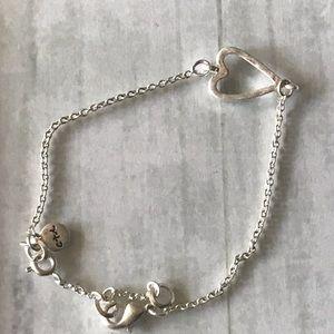 Chloe + Isabel Jewelry - Take Heart Bracelet ❤️